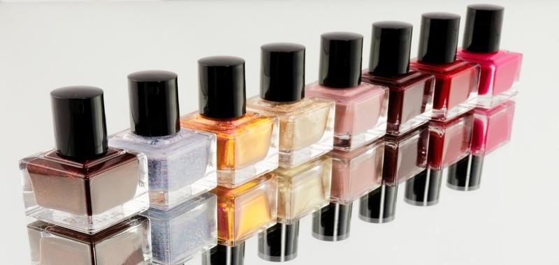 Faites vous une beauté des ongles avec ce top 3 des meilleurs bars à ongles !