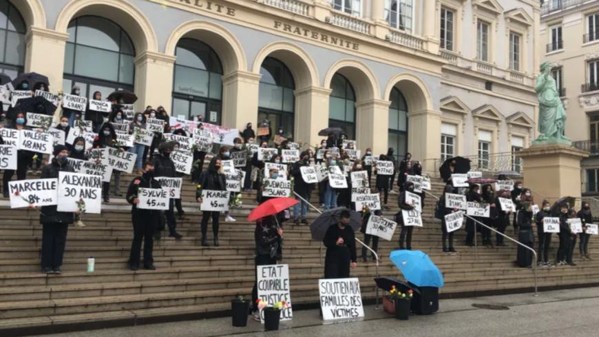Infos : Un mémorial des victimes de féminicides devant la mairie de Saint-Etienne