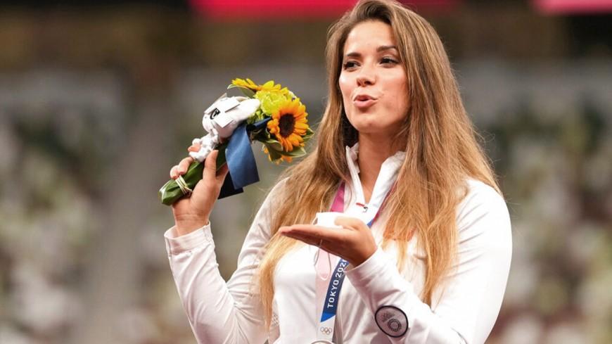 L'athlète polonaise Maria Andrejczyk met aux enchères sa médaille olympique pour sauver un enfant !
