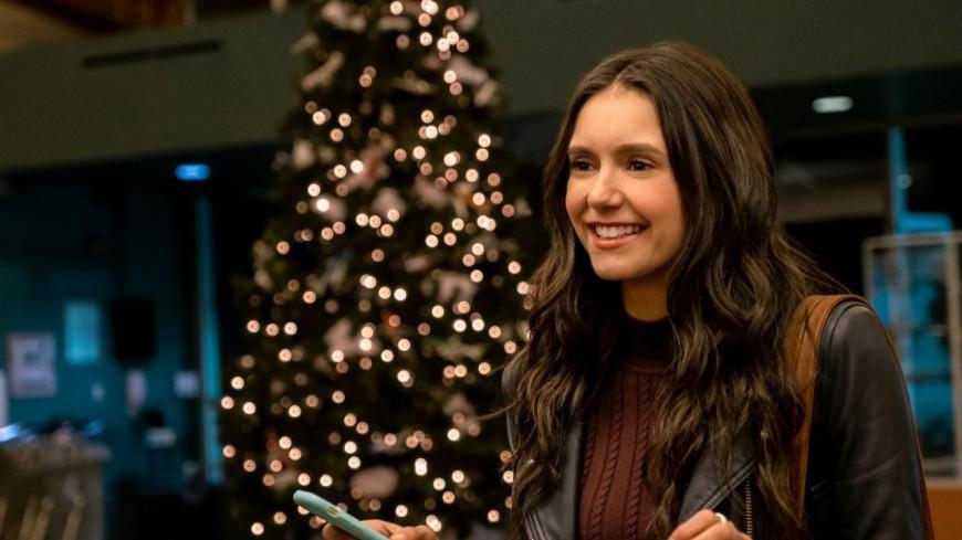 """Netflix dévoile le trailer de """"Love Hard"""" sa nouvelle comédie de Noël avec Nina Dobrev ! (vidéo)"""