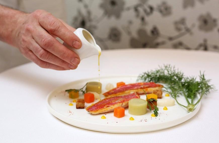 Un célèbre restaurant étoilé vous propose des délicieux plats à emporter pour 17 €