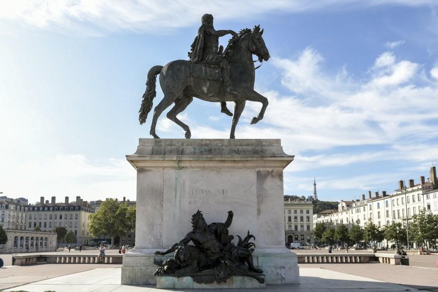 News : La statue de la place Bellecour va se refaire une beauté