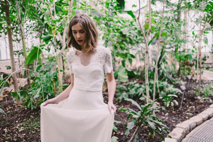 robe-de-mariee-lyon-caroline-takvorian-robe-charlotte-l-photo-robin-et-les-super-heros-l-la-fiancee-du-panda-blog-mariage