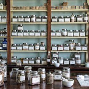 Fabriquez vos produits cosmétiques naturels à base d'huiles essentielles !