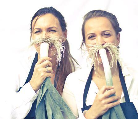 Deux filles en cuisine davia sophie lyon femmes for 2 filles en cuisine lyon