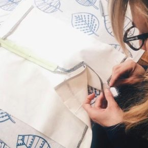 Participez à un stage intensif de couture : Techniques de couture autour des jupes