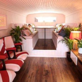 Il est possible de passer une nuit dans le bus des Spice Girls !